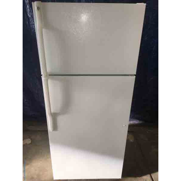 Refrigerator, Top-and-Bottom, GE, 16 cu ft, White