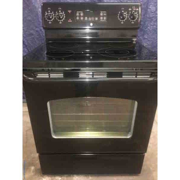 Black GE Electric Stove|Oven, 4-Burner, Glass-Top