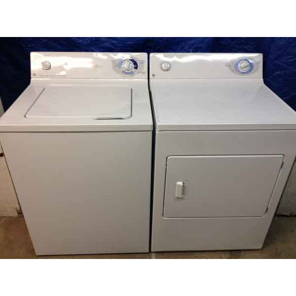 Spiffy Matching GE Washer and Dryer