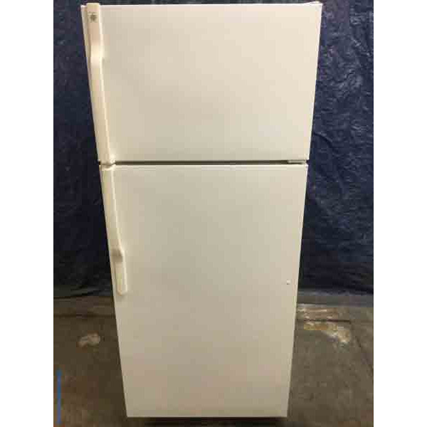 Discount Refrigerator, 16 Cu. Ft., White, Top-Mount Freezer, Clean, Works Great!