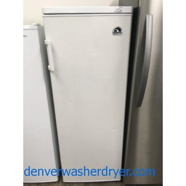 Convenient IGLOO Freezer, Upright, 22″ Wide, Reversible Door, Quality Refurbished, 1-Year Warranty!