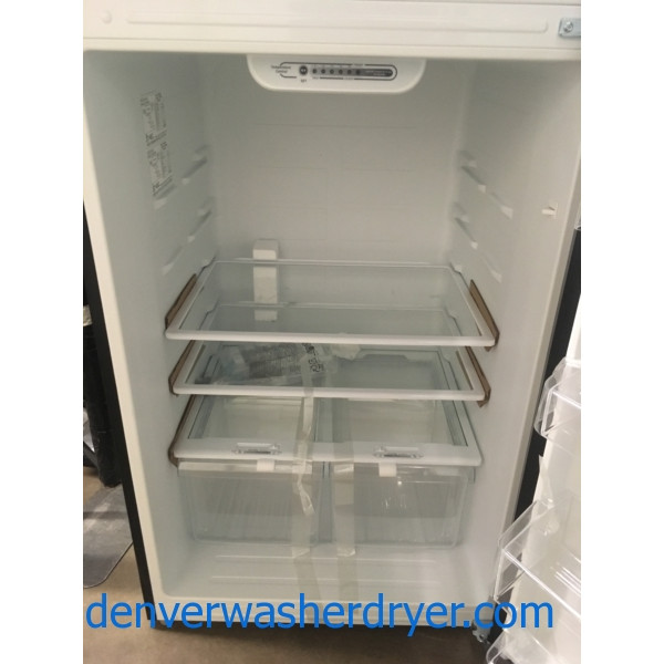 NEW!! Top-Mount Insignia Refrigerator, Stainless, LED Lighting, Humidity Control Crispers, 1-Year Warranty!