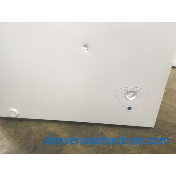 NEW!! Insignia Chest Freezer, White, Capacity 5.0 Cu.Ft., 29″ Wide, 1-Year Warranty!