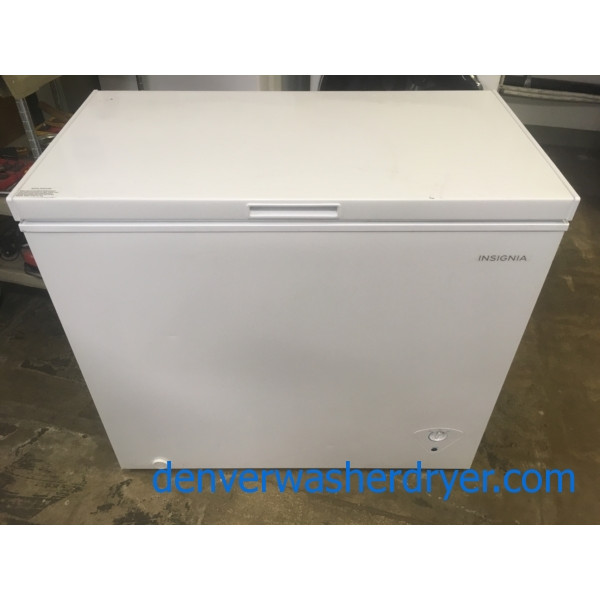 Nice Insignia Chest Freezer, Capacity 7.0 Cu.Ft., White, 37″ Wide, Quality Refurbished, 1-Year Warranty!