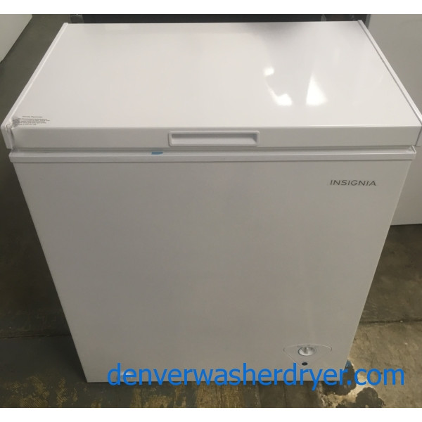 NEW!! Insignia White Chest Freezer, Capacity 5.0 Cu.Ft., 29″ Wide, 1-Year Warranty!