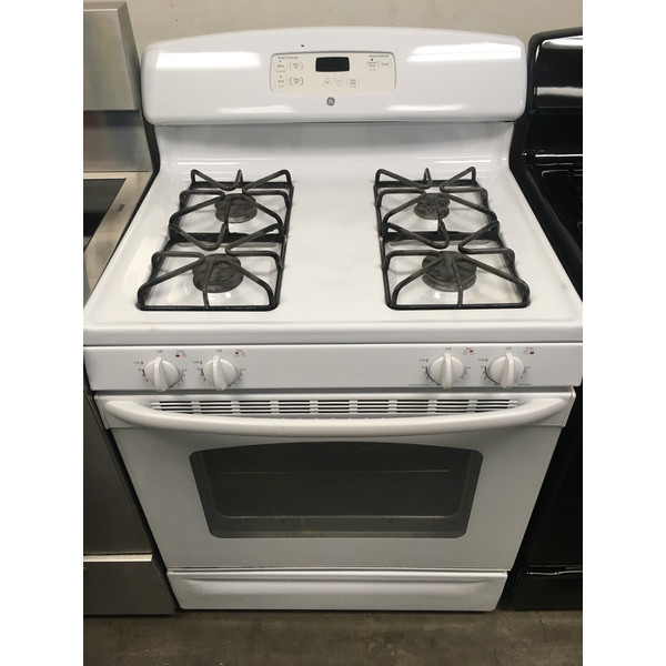 Lovely GE White Range, GAS, 4 Burners, Storage Drawer, Quality Refurbished, 1-Year Warranty!