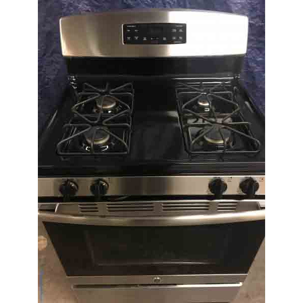 *GAS* Black/Stainless GE Freestanding 5-cu ft Self-Cleaning Range