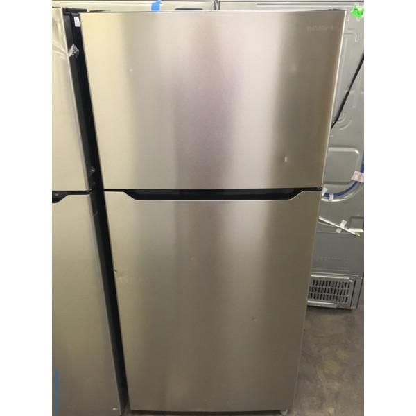 Lightly Used Insignia Top-Mount Refrigerator, Stainless, 30″ Wide, Energy-Star Rated, LED Lighting, 18.0 Cu.Ft. Capacity, Quality Refurbished, 1-Year Warranty!