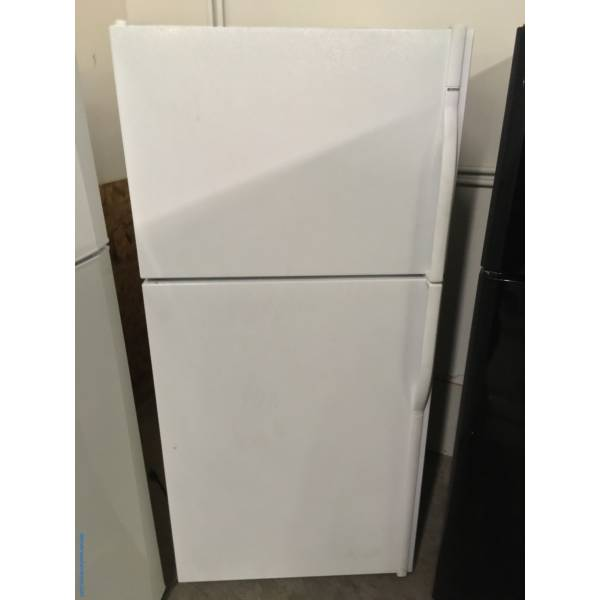 White Kenmore Top-Mount Refrigerator, 5 Glass Shelves, Clear Crispers, 30″ Wide, Quality Refurbished, 1-Year Warranty!