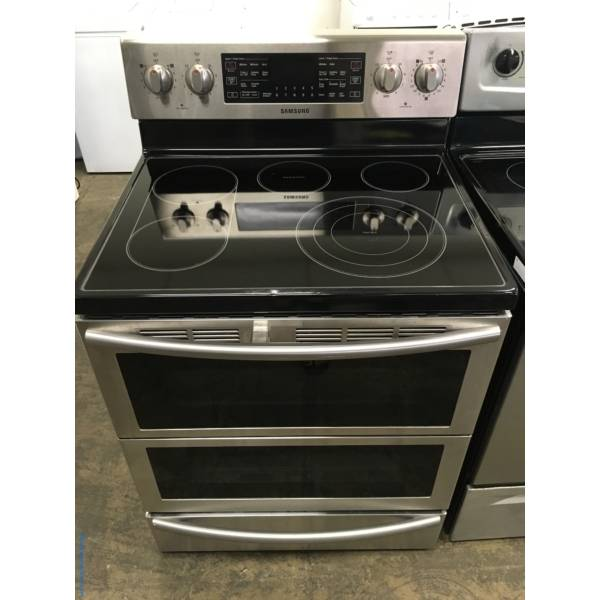 Beautiful Samsung Stainless Electric Range, 5 Burners, Warming Zone, Self/Steam Cleaning, Quality Refurbished, 1-Year Warranty!