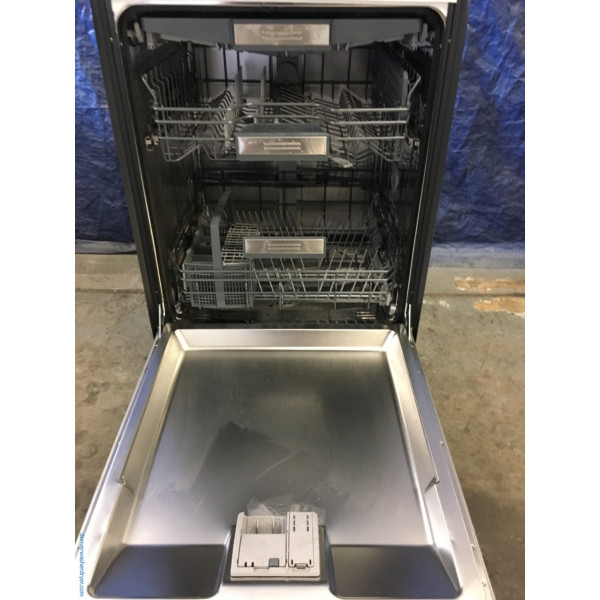 BRAND-NEW 24″ Built-In Stainless Thermador Professional Handle Fully-Flush Panel Star-Sapphire Dishwasher, 1-Year Warranty