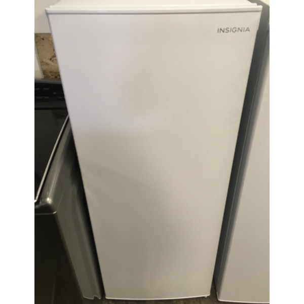 BRAND-NEW Insignia (5.3 Cu. Ft.) Upright Freezer, 1-year Warranty