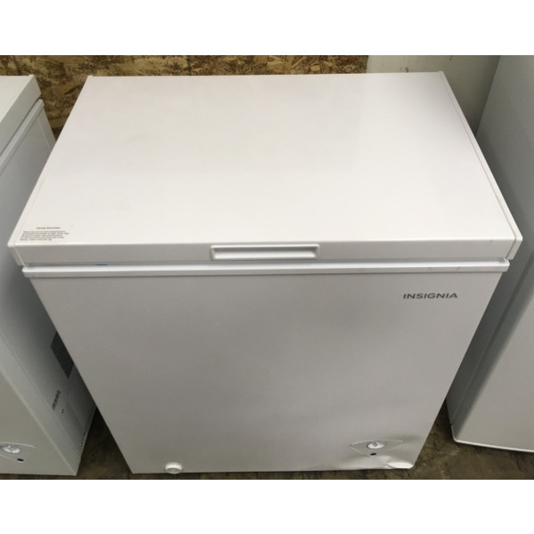 BRAND-NEW Insignia (5.0 Cu. Ft.) Chest Freezer, 1-Year Warranty