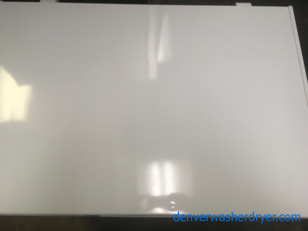 NEW!! Insignia White Chest Freezer, Capacity 5.0 Cu.Ft., 29″ Wide, 1-Year Warranty!